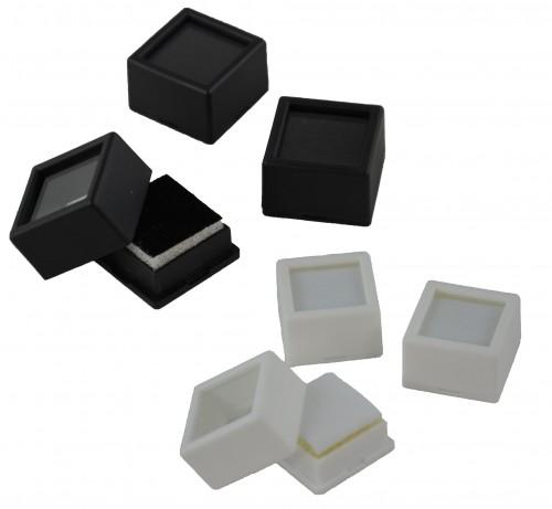 Small square boxes (8)